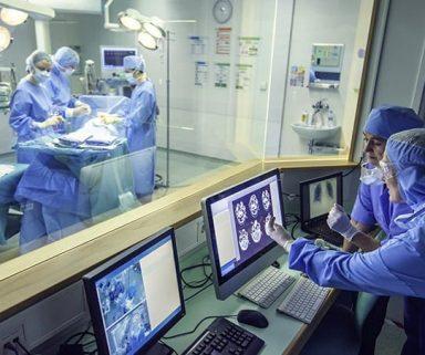 Gestatten: Künstliche Intelligenz, der neue Kollege | Wie die Technologie den Medizinalltag verändert