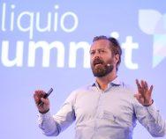 """""""Künstliche Intelligenz ist gekommen, um zu bleiben""""   Bart de Witte, Director Digital Health DACH bei IBM, über den technologischen Wandel des Gesundheitssystems"""